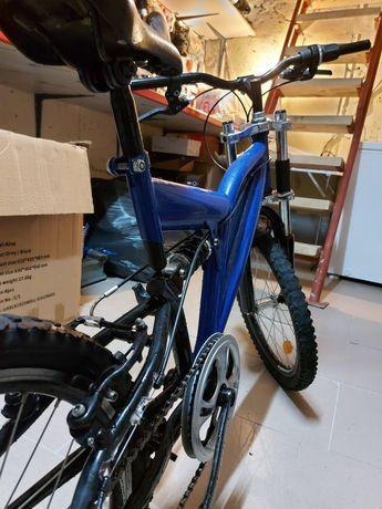 Vând bicicleta bine intretinuta