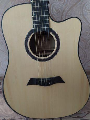 Гитара в отличном состоянии