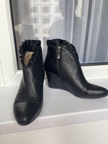 Ботинки женские кожа