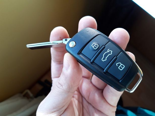 Carcasa cheie AUDI A3, A4, A6, Q7 - cu 3 butoane tip briceag 2005-2012
