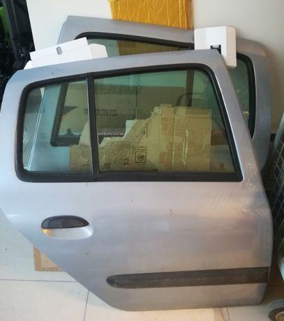 Предна/задна лява/дясна оборудвана врата RENAULT Clio 2/Рено Клио II