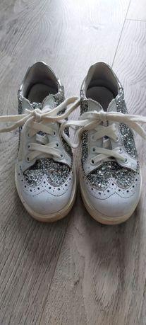 Vand pantofi piele Melania marimea 32