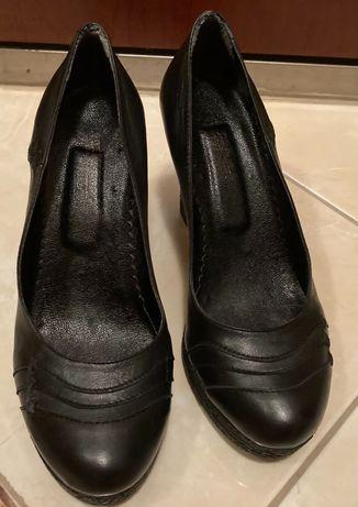 Елегантни дамски обувки от естествена кожа