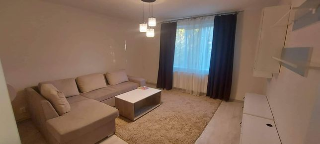 Inchiriez apartament in zona centrala
