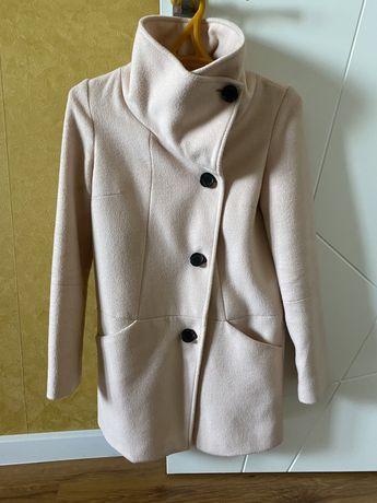 Пальто осеннее Bershka