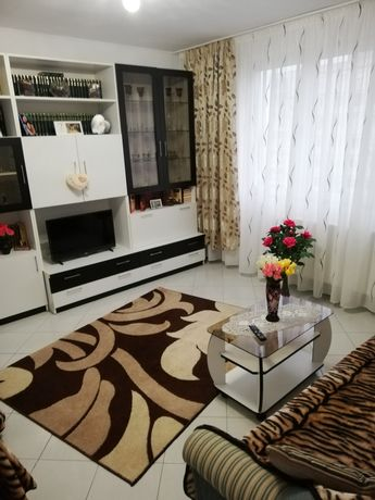 Închiriez apartament 3 camere mobilat+utilat