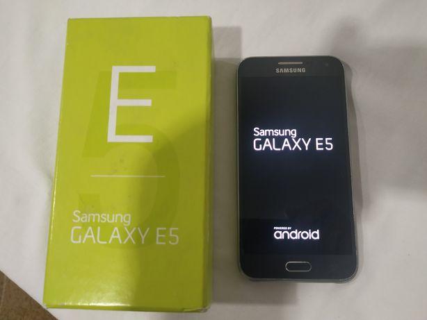 Самсунг Галакси Е5