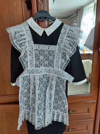 Продам школьное платье и фартук для выпускниц