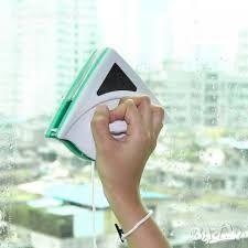 Магнитен уред за почистване на двойни стъклопакети