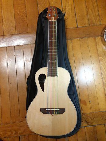 Peavey Composer Au ukulele концертная + чехол