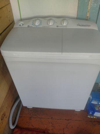 Продам стиральную машинку п/а на 4кг