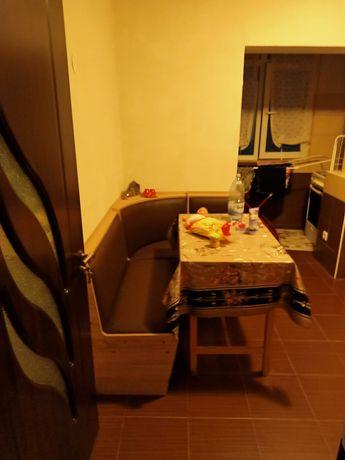 Vând apartament mobilat si renovat
