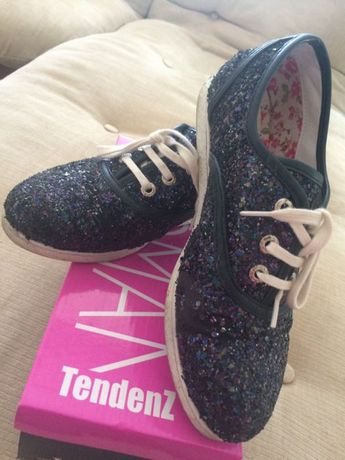Блестящи обувки/кецове