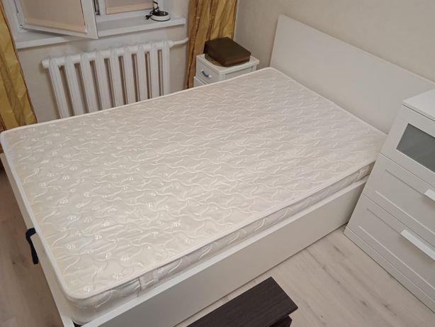 Кровать новая совсем брала в рассрочку вместе с матрасом