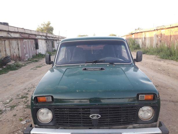 Продам автомобиль нива 21213, 1999 года
