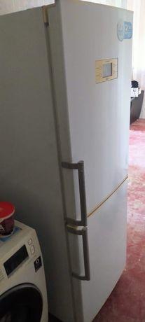 Холодильник LG в хорошем состояние