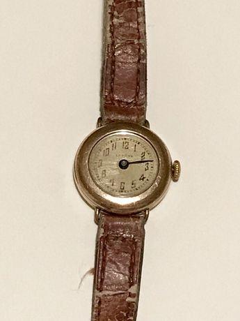 Стар ръчен часовник МИНСК механизъм