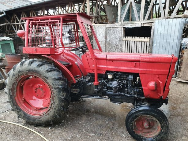 Vand Tractor 45 Cai Putere