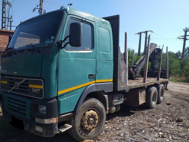 Vand camion forestier Volvo cu macara