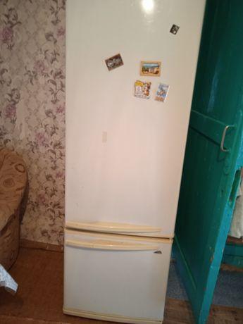 Продам холодильники