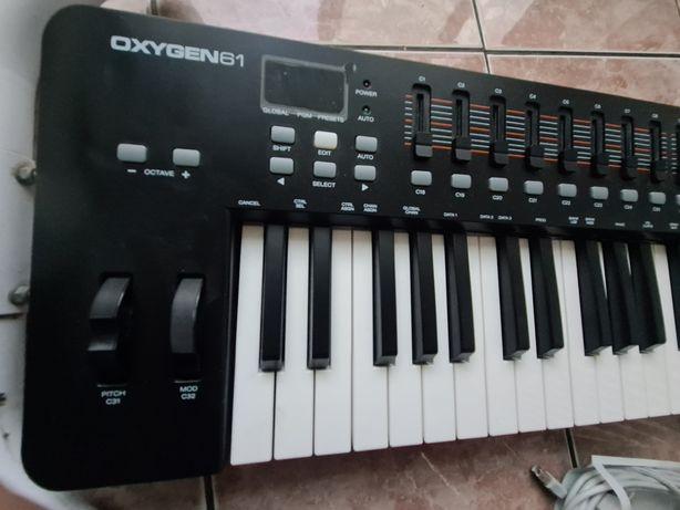 Oxygen 61 M-Audio keyboard