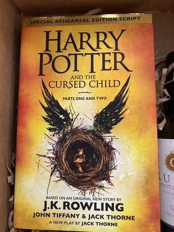 Продам Гарри поттер и проклятое дитя на англ.яз