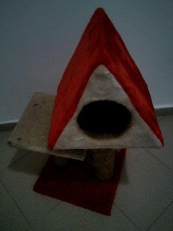 Къщичка за котка