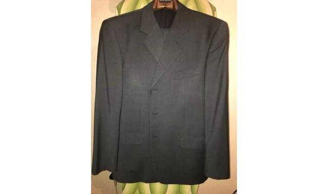 Продам костюм черный