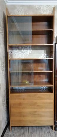 Книжный шкаф и стол