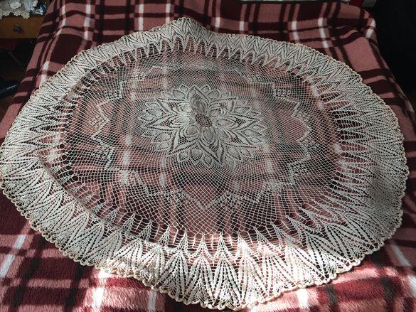 Ръчно-плетени покривки