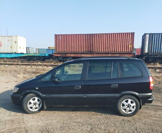Продам автомобиль Opel Zafira