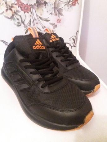 Adidas 42 nou adidasi