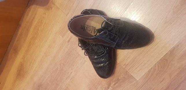 Pantofi dama din piele noi
