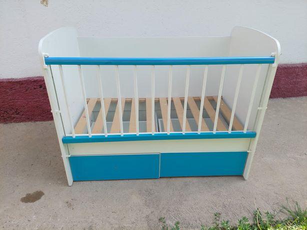 Детский кровать.