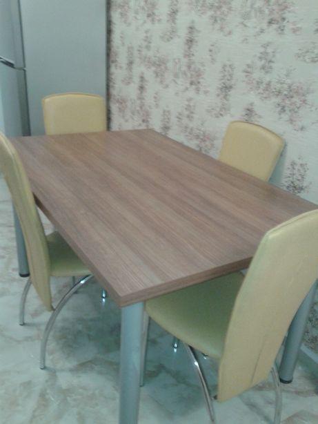 masa de living sau bucatarie cu 6 scaune din lemn masiv