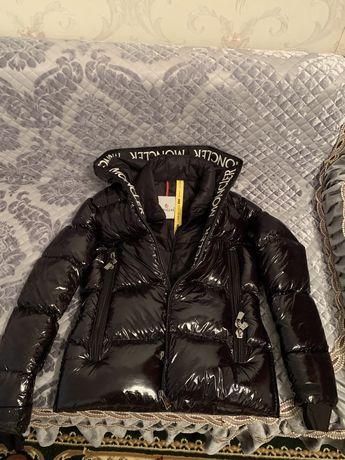 Зимняя куртка Moncler. Почти новая
