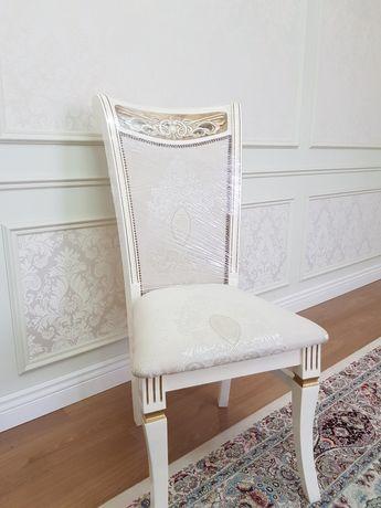 Столы и стулья для гостиной, стулья для кухни