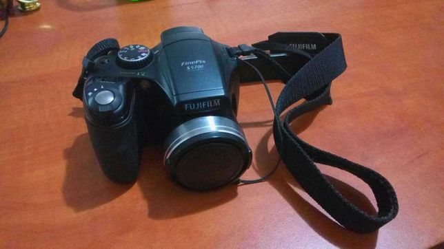 Aparat foto Fujifilm S5700
