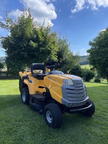 Tractor de tuns iarba Stiga Estate