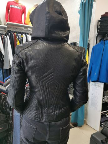 Естествена кожа дамско яке, с качулка