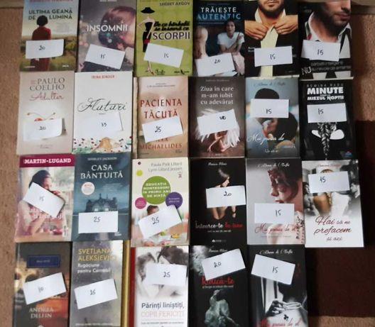 Lot de 24 de cărți