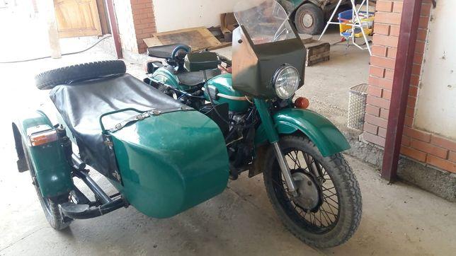 Мотоцикл Урал с люлькой и прицепом