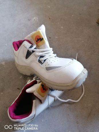 Papuci bot metalic