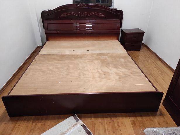 Кровать, 2 прикроватных тумбы