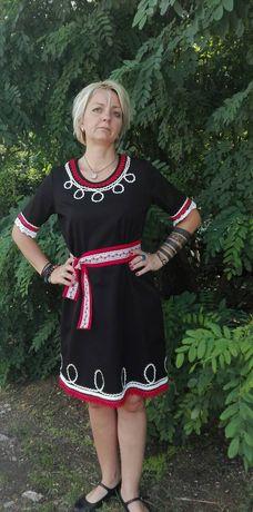 Фолклорна женска туника черна