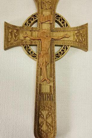 Cruce lemn sculptata