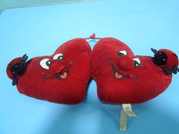 Две пухкави сърчица