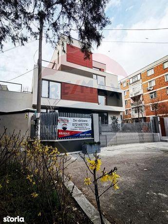 Apartament cu 4 camere de vânzare în zona Eminescu