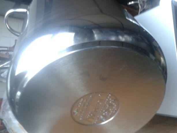 Vand oale de gatit din inox de calitate
