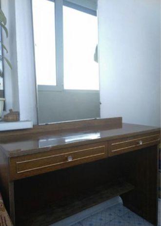 Трильяж , стол и зеркало